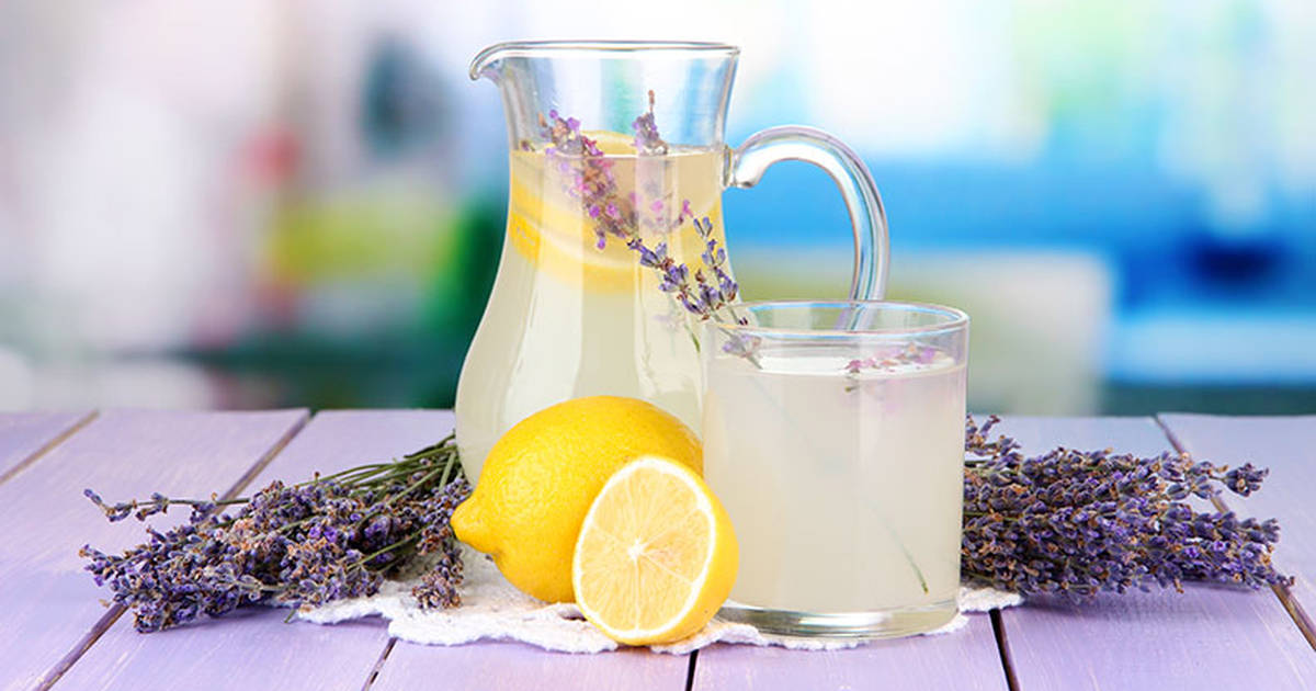 2015-08-18-how-to-make-lavender-lemonade-to-get-rid-of-headaches-and-anxiety-fb