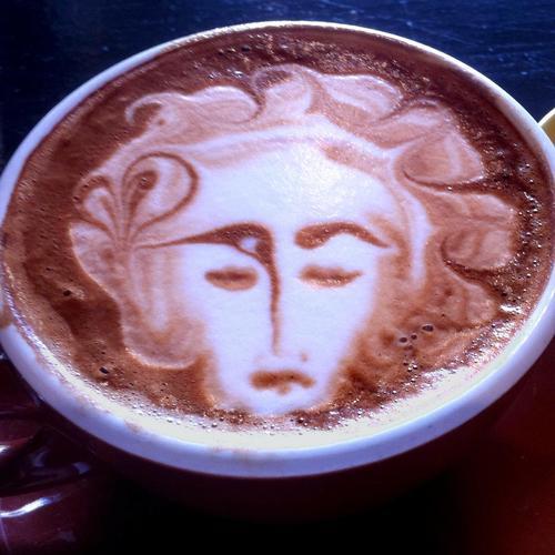 cafe-tasse-visage-main-10480403