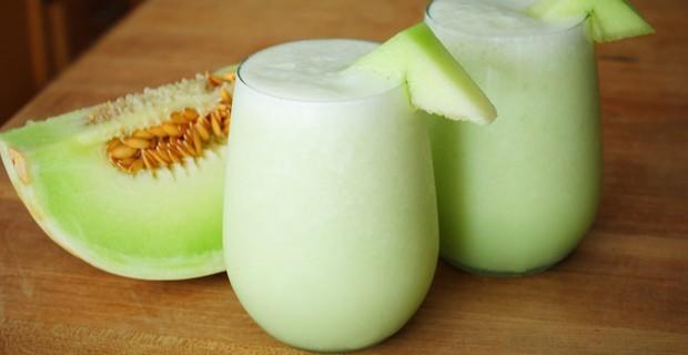 delicious-honeydew-almond-blend-smoothie