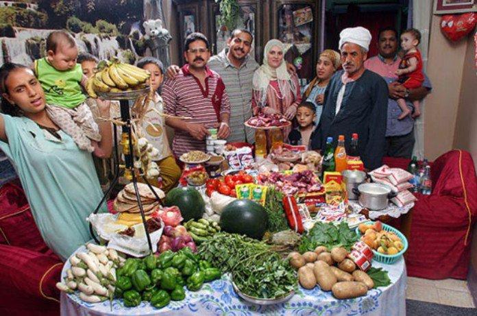 peter-menzel-nourriture-pour-une-semaine-familles-monde-7-1-1-696x461