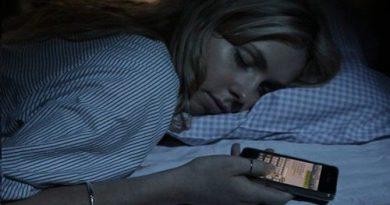 Dormir-con-celulares-500x290