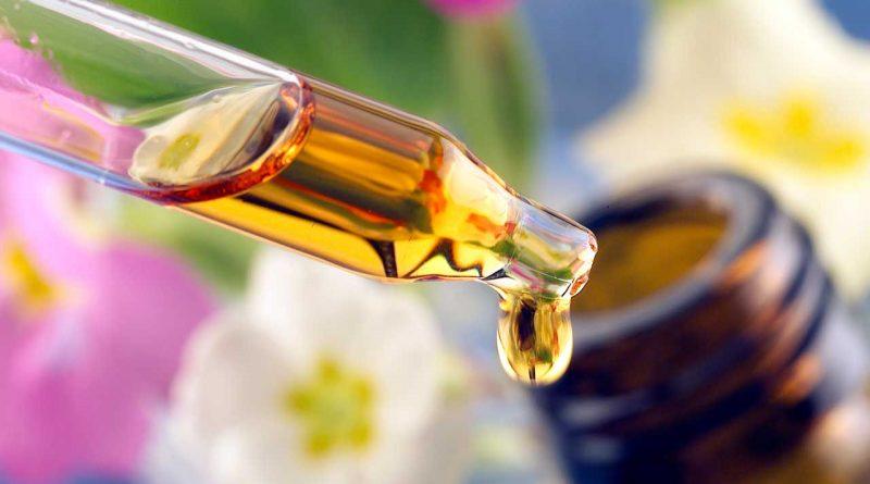 huiles-essentielles-les-indispensables-de-la-pharmacie