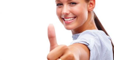 shutterstock_36394375_young-women-thumbs-up1