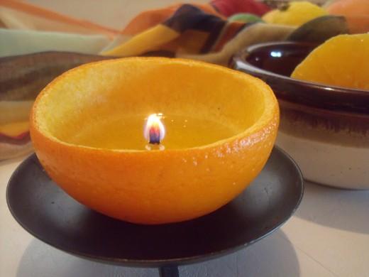 Comment faire une bougie avec une orange - Comment personnaliser une bougie ...