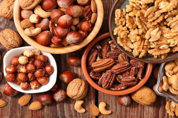 apprenez les bienfaits des noix pour la sant et voyez quelle quantit vous devriez manger. Black Bedroom Furniture Sets. Home Design Ideas